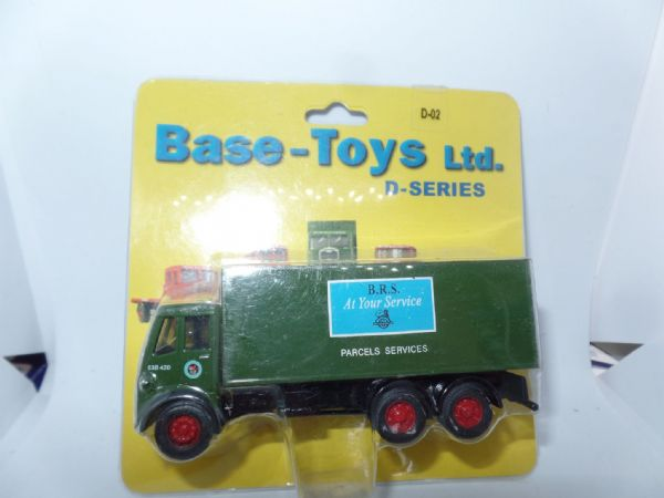 B T Models D-02 D02 Albion Chieftain 3 Axle Box Van BRS Parcel Services